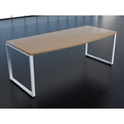Mesa de despacho direccional en arco y patas metálicas cerradas serie pata kubica