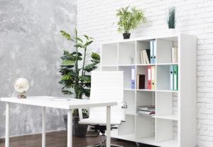 desinfectar los muebles de la oficina
