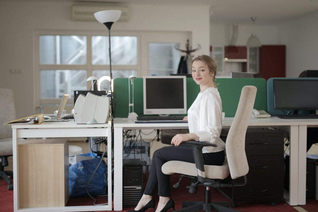 mobiliario de oficina ergonómico